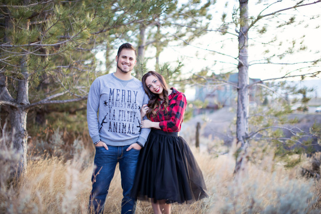 Lovely-Deseret-Christmas-Pictures-Couples-Photography-02
