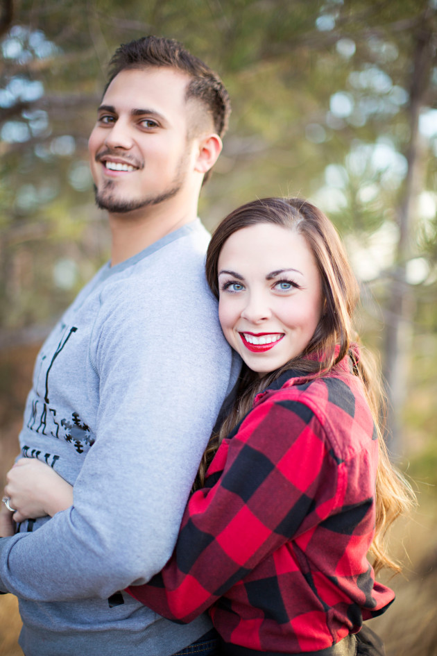 Lovely-Deseret-Christmas-Pictures-Couples-Photography-03
