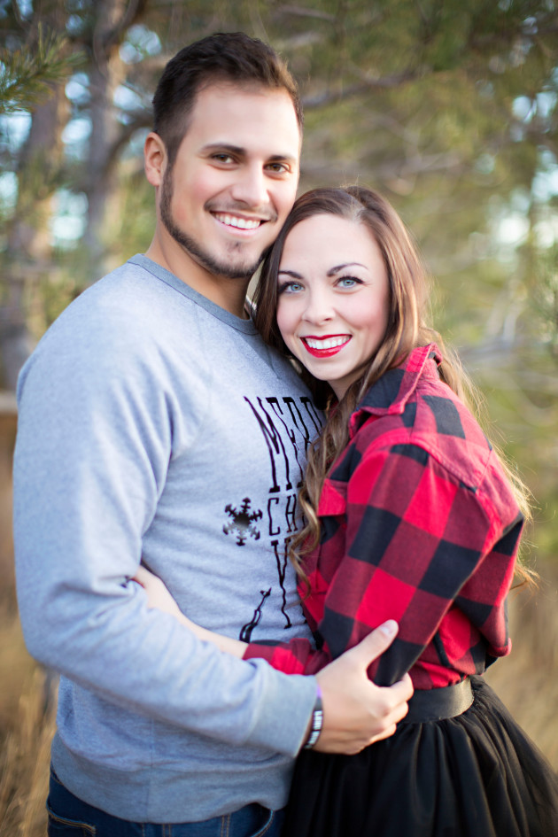 Lovely-Deseret-Christmas-Pictures-Couples-Photography-04