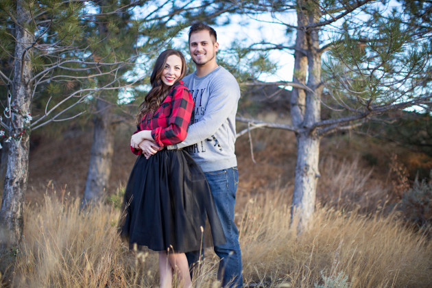 Lovely-Deseret-Christmas-Pictures-Couples-Photography-11