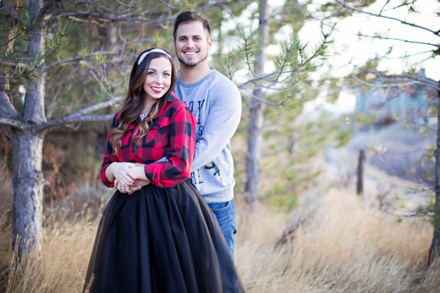 Lovely-Deseret-Christmas-Pictures-Couples-Photography-12