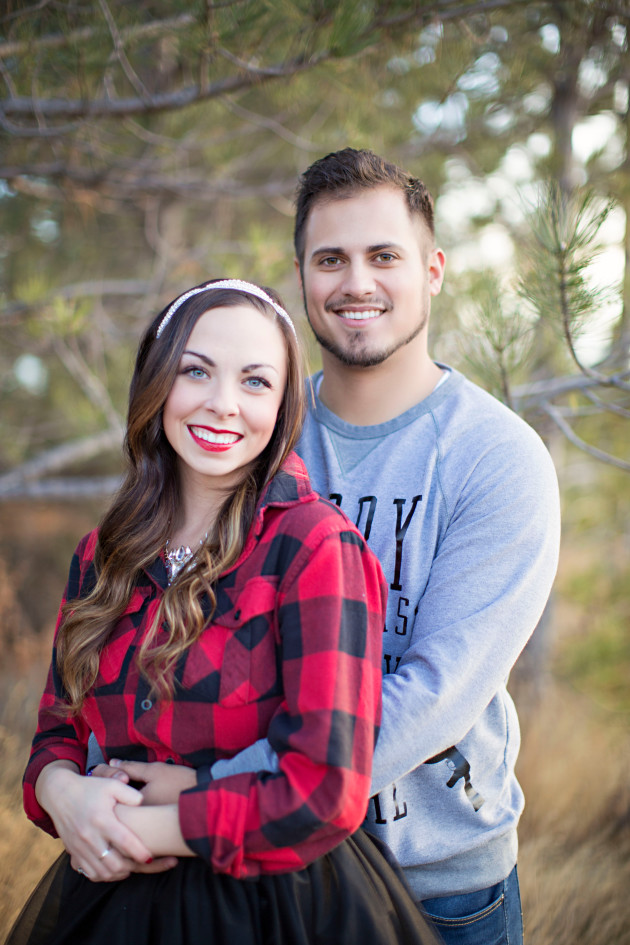 Lovely-Deseret-Christmas-Pictures-Couples-Photography-13
