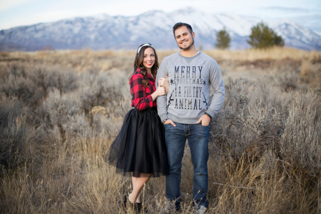 Lovely-Deseret-Christmas-Pictures-Couples-Photography-14