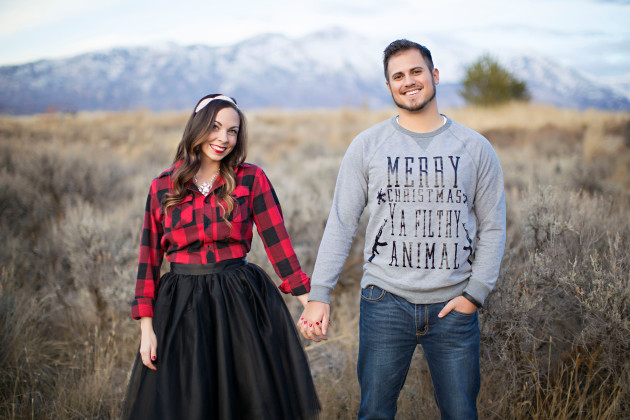 Lovely-Deseret-Christmas-Pictures-Couples-Photography-18