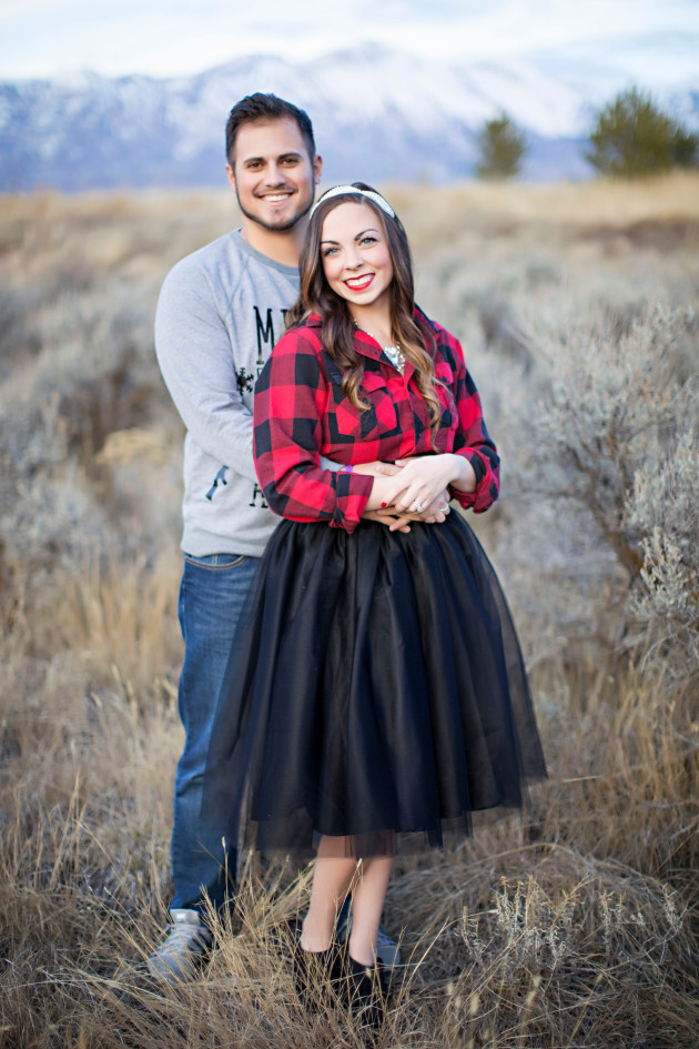Lovely-Deseret-Christmas-Pictures-Couples-Photography-22
