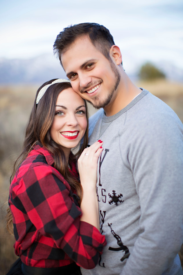 Lovely-Deseret-Christmas-Pictures-Couples-Photography-28