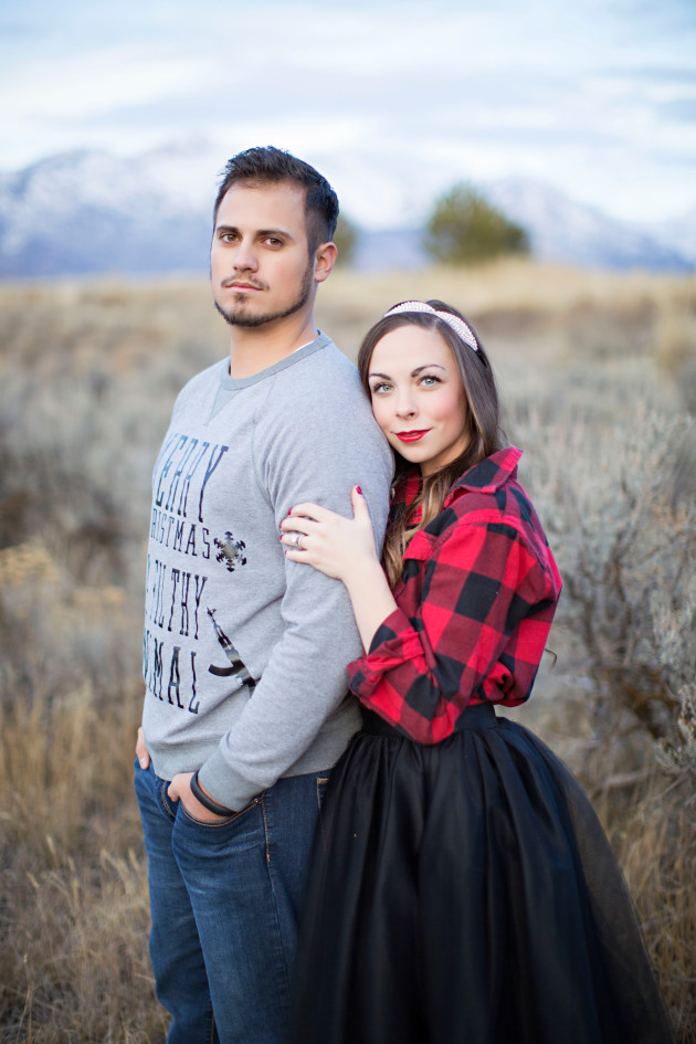 Lovely-Deseret-Christmas-Pictures-Couples-Photography-31