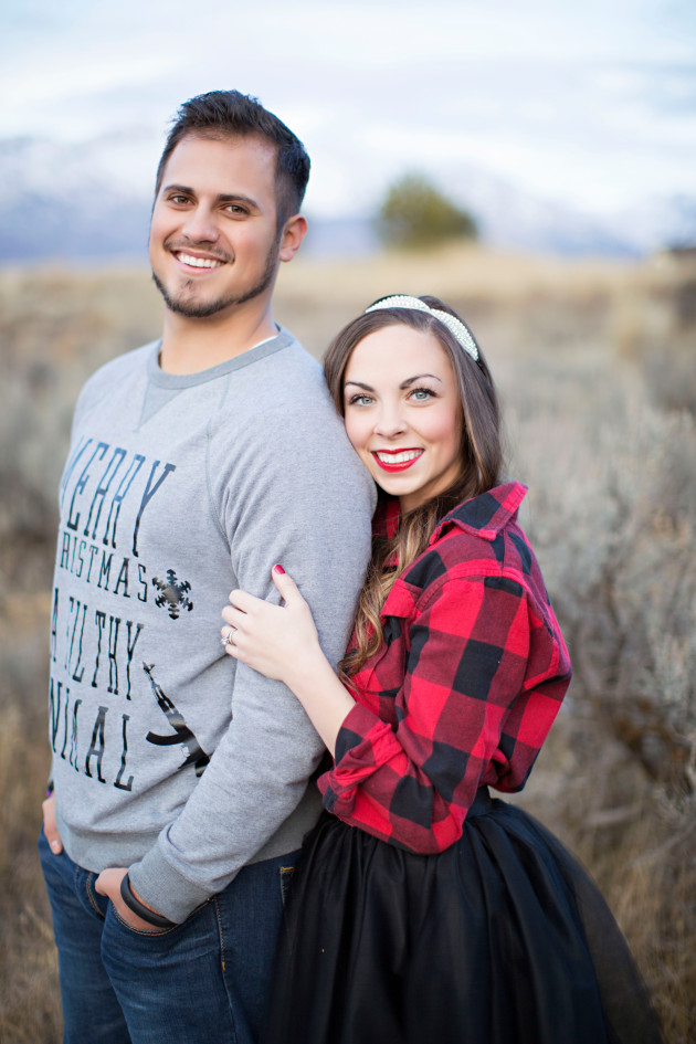 Lovely-Deseret-Christmas-Pictures-Couples-Photography-33