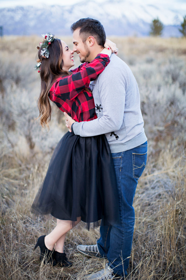 Lovely-Deseret-Christmas-Pictures-Couples-Photography-37