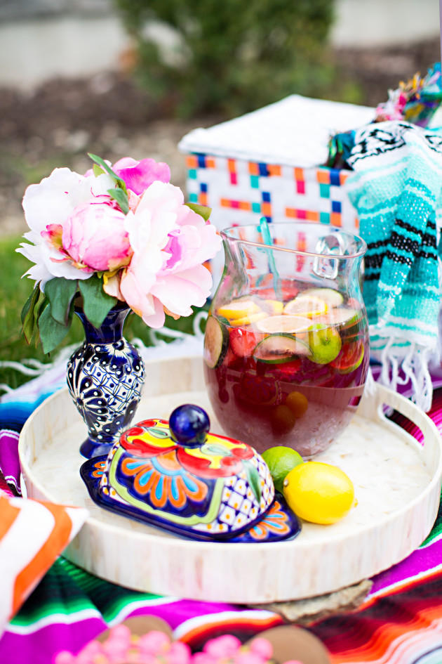 Lovely Deseret and Worthington Avenue plan a Baja Brunch Cinco de Mayo Picnic photographed by DIana Putnam Photography