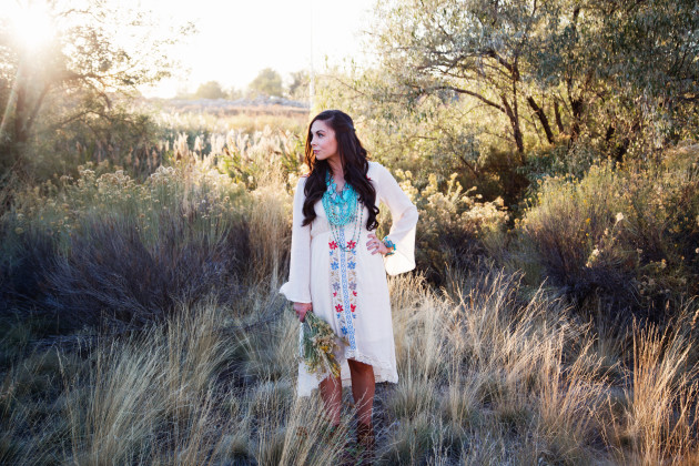 Lovely-Deseret-Modest-fall-boho-Diana-Puntnam-Photography-25