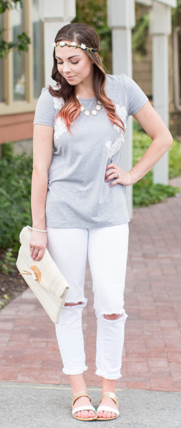 DIY distressed white denim: your favorite pair of white jeans + a kitchen knife, wash and voila!