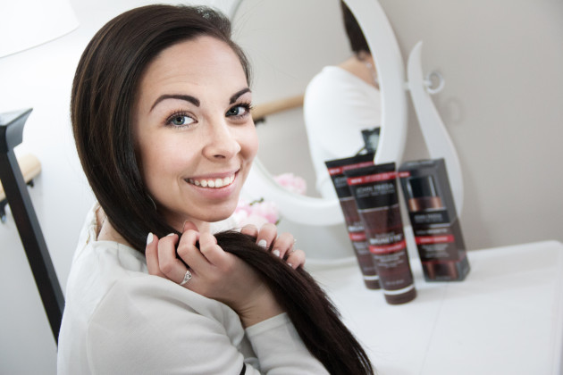Brilliant Brunette® Visibly Deeper™ Shampoo and Conditioner for deeper brunette color in the shower.