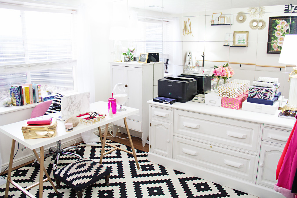 Modest Goddess gives a tour of her cute home office space! Home office decorated in black, white and white with pink and gold accents complete with a desk, storage, vanity, walk-in-closet, and workout barre!